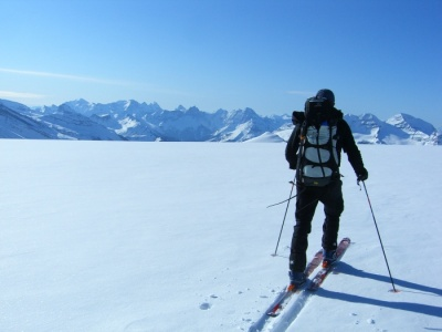 Ski tour the Bow Yoho Traverse with ski guides