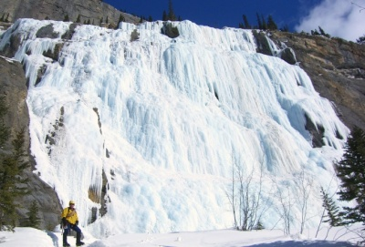 Climb Weeping Wall with cirrus alpine guides